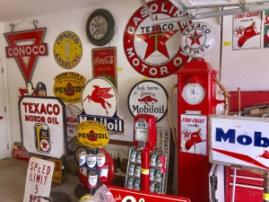 Hot Springs Overturf Petroliana Advertising Cola/Beverage Sportsman's Tobacco Clocks Thermometers Misc.