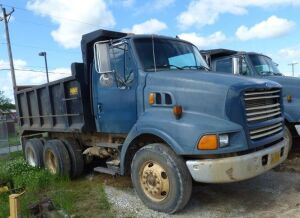 1997 Ford Dump Truck with bed - Unit 55