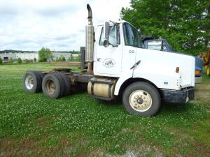 1991 Volvo Tractor Truck -Diesel - Day Cab - WG