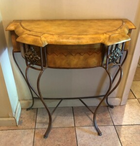 Small Entry Way Table