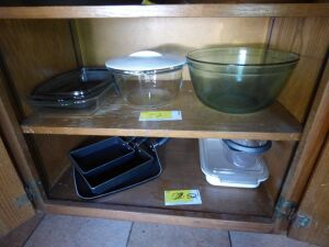 Square Skillets, Pyrex Mixing Bowl, Baking Pans, Misc. Containers
