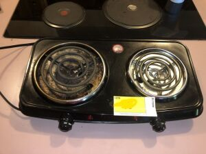 Double Electric Cooktop Burners and 2 Single Electric Cooktop burners