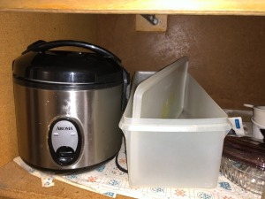 Aroma Rice Cooker, Pyrex, Corning Ware, Misc.