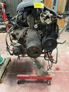 LS 6.0 Chevy motor with stand