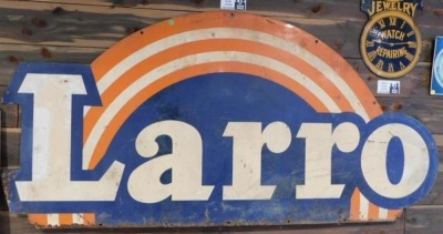 LARRO FEEDS SIGN - METAL ADVERTISING SIGN VINTAGE ANTIQUE 70 W X 33 1/2 H