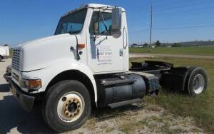 2003 International 8100, 630,608 miles ( motor runs good), drive shaft needs welded, 10 speed, damage to driver side front ( Air-Ride)