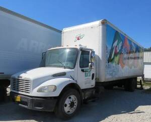 2007 Freightliner, Business Class M2, C-7 Cat. Diesel with 28' Morgan Cargo Box& LIFT GATE (new starter, new a/c, air ride, 6 speed trans.) ( Air Ride)