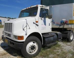 2003 International 8100, 147, 624 miles , Motor recent  complete rebuild by Gilberts in Jonesboro, Ar. , new clutch, 10 speed, new tires ( Air-Ride)