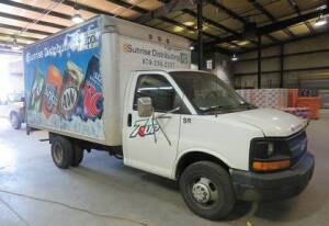 2004 Chevrolet Box Truck Model CT3 with Tommy Lift(needs cable) ( 213, 876 miles) rebuilt transmission, 8 cy/ 6.0 L - 12ft box - Runs good !