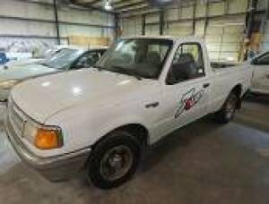 1996 Ford Ranger XLT(180,000 miles), 5 speed, Manual, Manual Windows