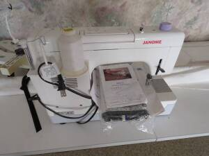 Janome H II Q Quilting Machine & Table