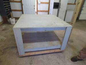 Square shop table on casters