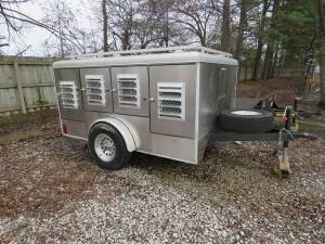 2011 Stainless Steel 9 hole Dog Trailer - Like New !