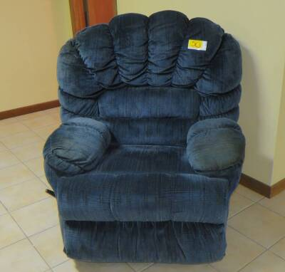 Franklin Corporation Recliner with cup holders
