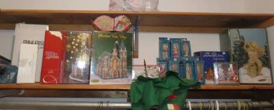 Lot of Various Christmas Items - Decorations, Ornaments, Wrapping Paper and More!