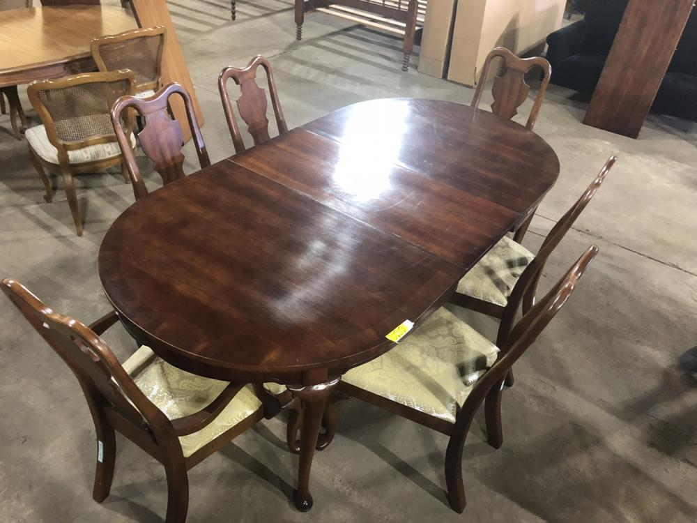 Tremendous Queen Anne Style Table 6 Matching Chairs 84 In L X 30 Download Free Architecture Designs Scobabritishbridgeorg