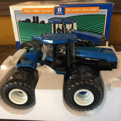 9882 Ford New Holland 9882 4WD Tractor- 1/32 Scale- 82 Series Versatile- ERTL 1996